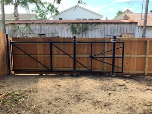 Wood slide gate